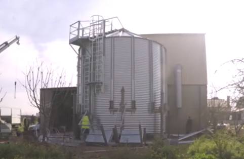 Time-lapse Video Showing the Assembly of a Hopper Bottom Silo in Portugal