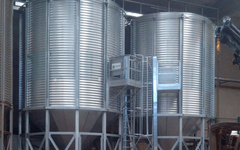 "Silos for the storage of almonds ""Francisco Morales"""